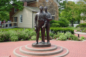 Statue of Joseph and Hyrum Smith at Carthage Jail. Photo by Kenneth Mays.