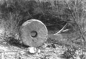 The Hawn's Mill Millstone photo in 1907 by George Edward Anderson