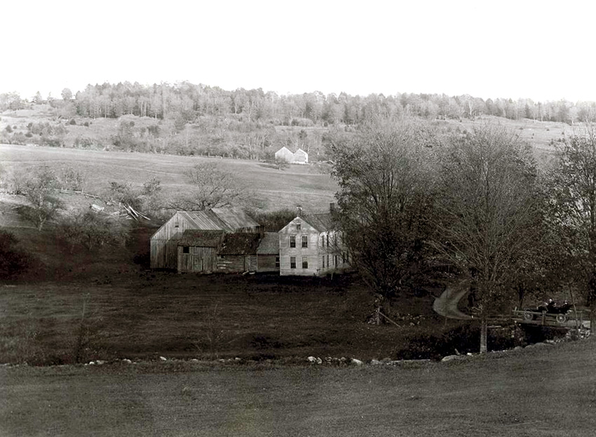 Early view of the Smith Norwich, Vermont home. Photo (1908) by George Edward Anderson.