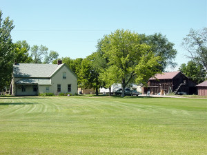View of the Roueche home and barn (2001). Photo by Kenneth Mays.