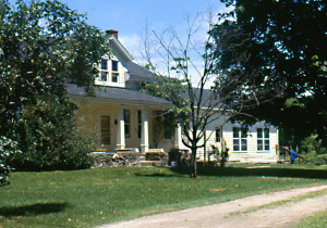 This view shows the Lorenzo Snow birth home in 1989, before some extensive remodeling by a new owner. Photo by Kenneth Mays.