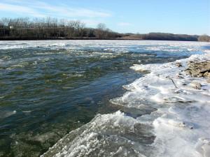 Des Moines River at Bonaparte, Van Buren County, Iowa. Photo by Kenneth Mays.