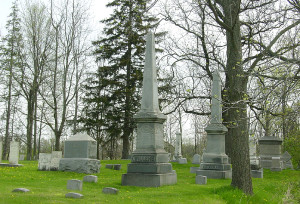 Burial site and monument of Rev. Diedrich Willers. Photo (2003) by Kenneth Mays.